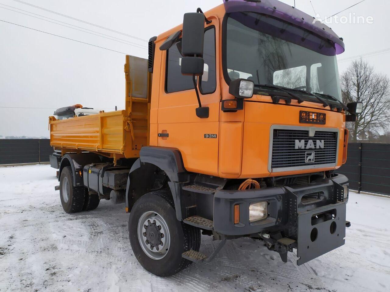MAN F2000 4x4 dump truck