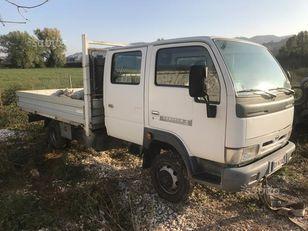 NISSAN cabistar doppia gabina flatbed truck